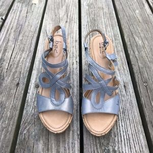 Born B.O.C Wedge Sandals Women's Size 8 M Blue